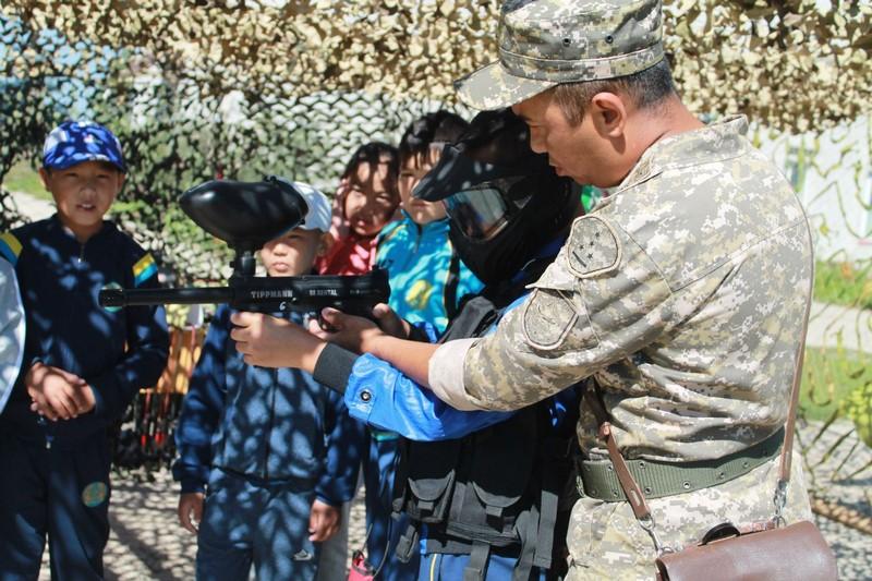 Военное обмундирование и вооружение (2)